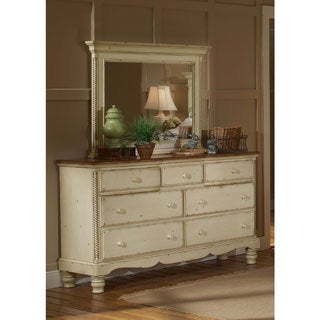 Hillsdale Wilshire Dresser