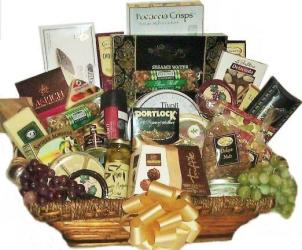 Five Star Gourmet Extravaganza Gift Basket