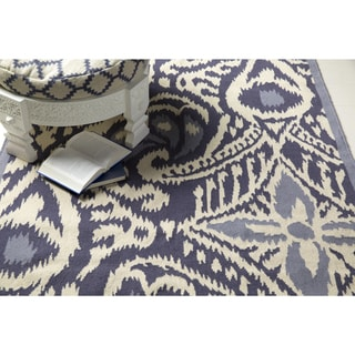 Hand-woven Cailyn Ikat Reversible Rug (5' x 8')