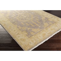 Hand-Knotted Latasha Floral New Zealand Wool Area Rug (9' x 13') - 9' x 13'