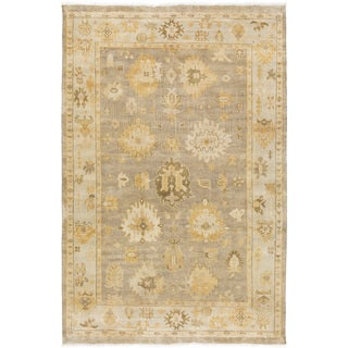 Hand-Knotted Loretta Floral New Zealand Wool Rug (5'6 x 8'6)