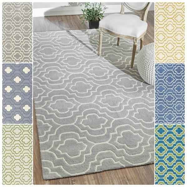 nuLOOM Handmade Geometric Savanna Wool Rug (7'6 x 9'6)