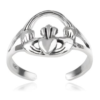 Journee Collection Sterling Silver Claddagh Toe Ring
