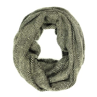 Le Nom Women's Diamond Pattern Knitted Infinity Scarf