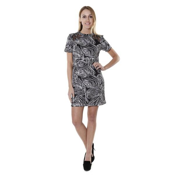 e66c4cc26c60 Shop Hadari Women's Short Sleeve V-neck Swirl Print Shift Dress ...