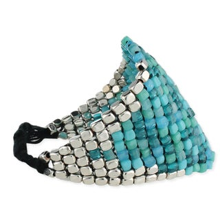 Handcrafted Carribean Blue Glass and Silvertone Beads Bracelet (India)