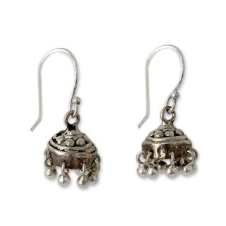 Handcrafted Sterling Silver 'Traditional Grace' Earrings (India)