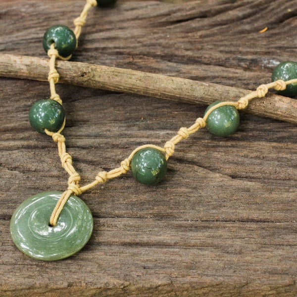 Handcrafted Sterling Silver 'Natural Spirit' Jade Necklace (Thailand)
