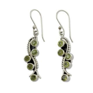 Handmade Sterling Silver 'Natural Glow' Peridot Earrings (India)