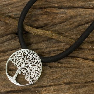 Handcrafted Sterling Silver 'The Tree' Necklace (Thailand)