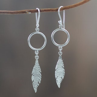 Handcrafted Sterling Silver 'Amazonian Dreamcatcher' Earrings (Peru)