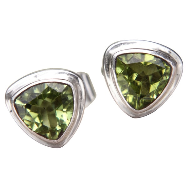 4fe2f42f4 Handmade Sterling Silver 'Green Trinity' Peridot Earrings  (Indonesia