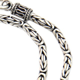 Handmade Borobudur .925 Sterling Silver with Hook Clasp Balinese Byzantine Chain Necklace (Indonesia)
