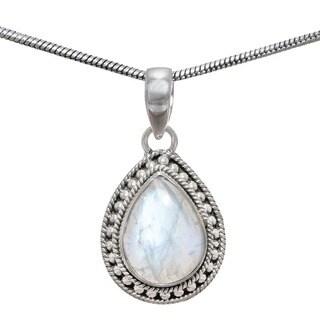 Handmade Sterling Silver Rainbow Moonstone Pendant (India) - White