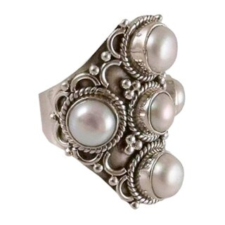 Handmade Sterling Silver 'Iridescent Princess' Pearl Ring (5 mm, 7 mm) (India) (3 options available)