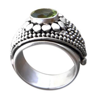 Sterling Silver 'Floral Creation' Peridot Ring (Indonesia)