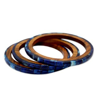Set of 3 Seesham Wood 'Blue Symphony' Bone Bracelet (India)
