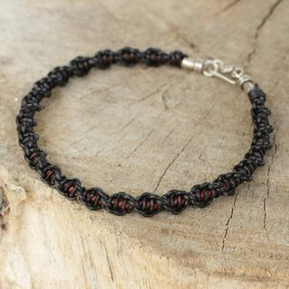 Handcrafted Men's Leather 'Black Magnificence' Bracelet (Thailand)