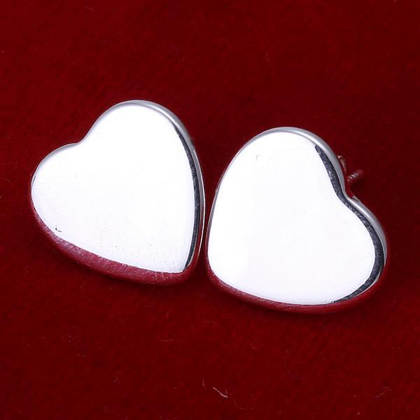 Vienna Jewelry Sterling Silver Clean Cut Heart Shaped Studs