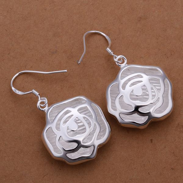 Vienna Jewelry Sterling Silver Classical Blossoming Rose Petals Earring