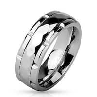 Diamond Pattern Grooved Center Stainless Steel Spinner Ring
