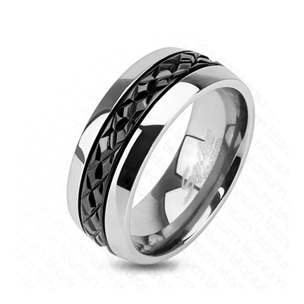 Diagonal Cut Pattern Black IP Centered Ring Titanium