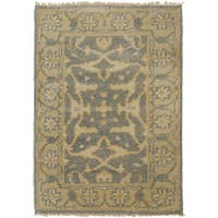 Hand-Knotted Tyrone Floral New Zealand Wool Area Rug (8' x 11') - 8' x 11'