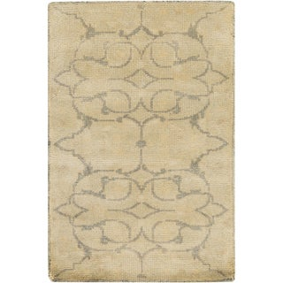 Hand-Knotted Wesley Floral New Zealand Wool Area Rug - 2' x 3'