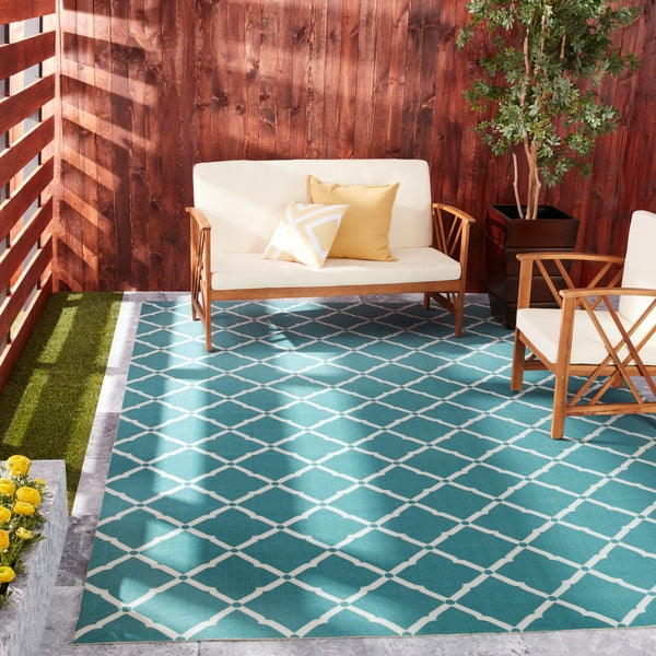 Rug Squared Palmetto Lattice Indoor/Outdoor Area Rug (7'9 x 10'10) - 7'9 x 10'10