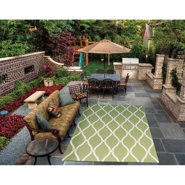 """Rug Squared Palmetto Green Indoor/Outdoor Area Rug (4'3 x 6'3) - 4'3"""" x 6'3"""""""
