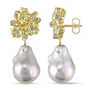 Miadora 14k Yellow Gold Cultured Freshwater Pearl and 1/6ct TDW Diamond Earrings (G-H, SI1-SI2) (11.5-12 mm)