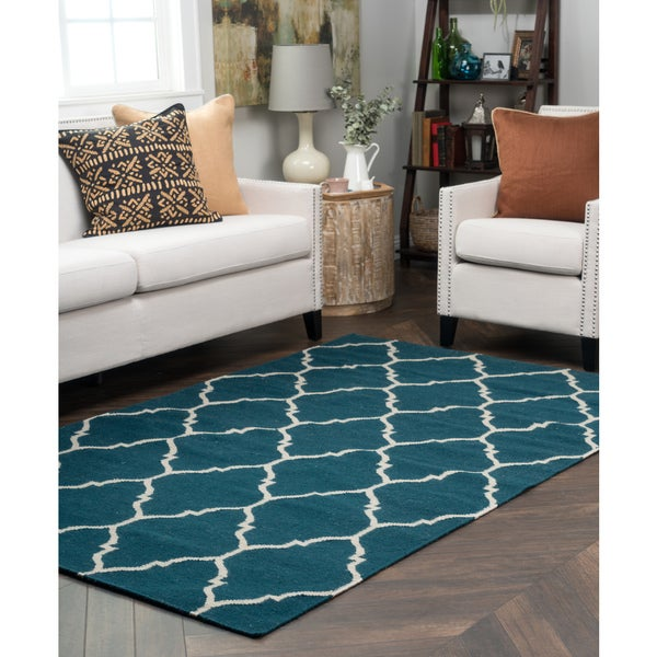 Kosas Home Handwoven Edison Indoor Outdoor Blue Recycled Plastic Rug (5' x 8')