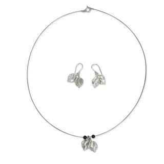 Sterling Silver 'Leaf Impressions' Garnet Jewelry Set (Thailand)