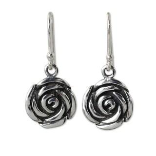 Handmade Sterling Silver 'Spiral Rose' Earrings (Thailand)