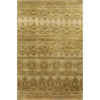 Hand-Knotted Yasmin Floral New Zealand Wool Area Rug - 5'6 x 8'6'
