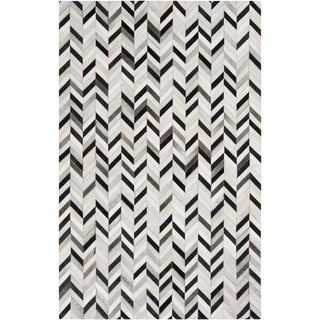 Hand-Crafted Presley Chevron Hair On Hide Rug (2' x 3')