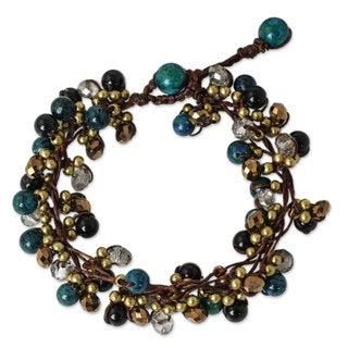 Brass 'Verdant Cattlelaya' Onyx Serpentine Bracelet (Thailand)