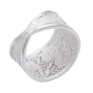 Handmade Silver 'Paisley Shine' Filigree Ring (Peru)