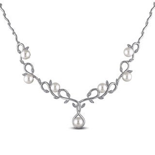 Miadora Sterling Silver Cultured Freshwater Pearl and 1/10ct TDW Diamond Necklace (G-H, I2-I3) (6.5-7 mm)