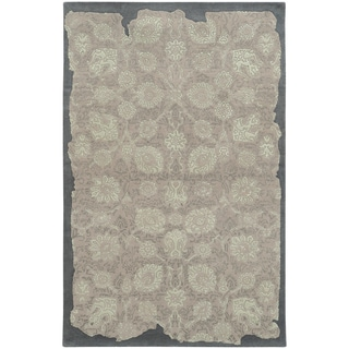 Pantone Universe Color Influence Eroded Oriental Grey/ Green Wool Rug (3'6 x 5'6)