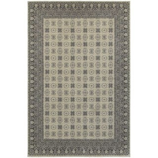 All-over Ivory/ Grey Medallion Area Rug (6'7 x 9'6)