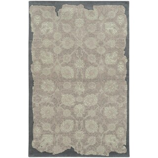 Pantone Universe Color Influence Hand-crafted Eroded Oriental Grey/ Light Green Wool Area Rug (5' x 8')