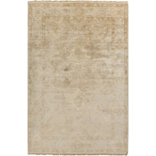 Hand-Knotted Seamus Border New Zealand Wool Rug (5'6 x 8'6)