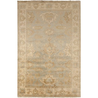 Hand-Knotted Jude Border New Zealand Wool Rug (5'6 x 8'6)
