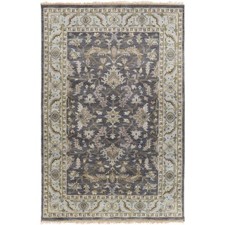 Hand-Knotted Jon Border New Zealand Wool Rug (5'6 x 8'6)