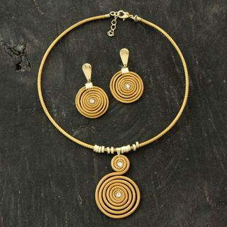 Handmade Golden Grass Gold Overlay 'Jalapao Evolution' Jewelry Set (Brazil)