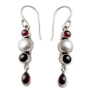 Silver 'Princess of Night' Pearl Onyx Garnet Earrings (7 mm) (India)