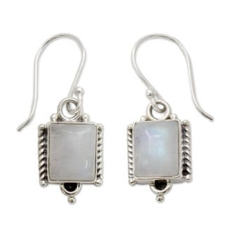 Handcrafted Sterling Silver 'Mystic Sky' Moonstone Earrings (India)