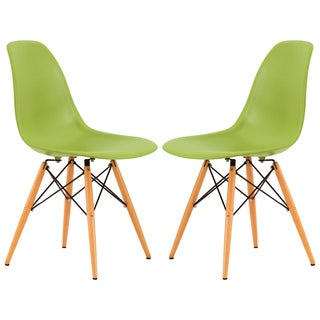 LeisureMod Dover Green Plastic Molded Side Chair Wood Dowel Legs (Set of 2)