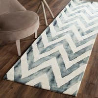 Safavieh Handmade Dip Dye Watercolor Vintage Ivory/ Grey Wool Rug (2'3 x 10')